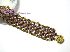 Maroon bracelet by Piratchada