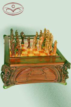 Jury Moshans' furniture art / Chess Set