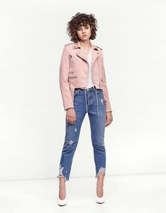 Fall in love with the new women's collection from Stradivarius. Discover the latest trends in clothes, accessories and shoes for Autumn/Winter Get inspired! Fall Winter, Autumn, Trending Now, New Woman, Mom Jeans, Latest Trends, Free, Clothes, Collection