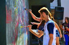 """""""Processoas"""" - Pintura Coletiva ao vivo, mais de 15 pessoas juntando! Espaço: Tem Gente Teatrando, Bruna Rizzotto, Movimento CORagente. Caxias do Sul - RS - 2015."""