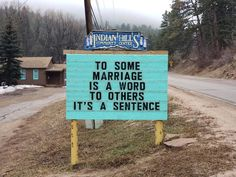 Indian Hills Community Sign - Someone In Colorado Is Putting Out The Funniest Signs Ever, And The Puns Are Priceless (New Pics) - Funny Puns, Funny Fails, Funny Stuff, Hilarious Sayings, Hilarious Animals, 9gag Funny, Funny Humor, Holiday Puns, Humor