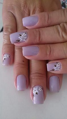 Uñas lila flores blancas Easter Nail Designs, Purple Nail Designs, Simple Nail Art Designs, Cute Nail Designs, Daisy Nails, Purple Nails, Art Deco Nails, Chic Nails, Bride Nails