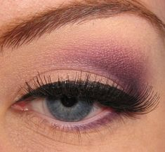 12 Eye Makeup Tricks Every Woman With Blue Eyes Should Know