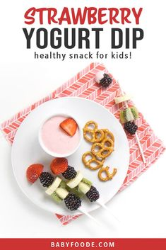 This Healthy Strawberry Yogurt Dip is an easy snack dip for Baby and Toddler! Serve with their favorite finger food dippers for some snack time fun! Fruit Recipes For Kids, Baby Food Recipes, Toddler Recipes, Kitchen Recipes, Baby Led Weaning, Toddler Snacks, Easy Snacks, Baby First Finger Foods, Baby Finger