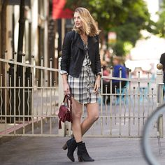 See more ways to wear plaid—the must-have print for fall.  How To Wear Plaid Everyday If you're a city girl (or simply on-the-go), slip into a plaid pair of pants for your on-the-go lifestyle. Your new outfit combination will help you travel from A to B in a pinch, plus help you get ready …