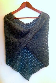 Pointy Moebius cowl knitted with blue-grey mohair and metal thread -- soft and shiny!