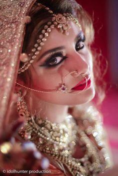 heavy on the eye make up but like it http://www.travel-bangladesh.net/  bangladeshi bride