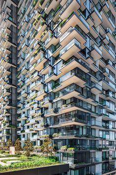 Atelier Jean Nouvel e PTW Architects hanno completato il secondo blocco del One Central Park di Sidney un complesso residenziale e commerciale inserito in un