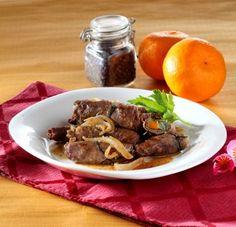 Seperti resep daging gulung sayuran ini tampil begitu cantik dengan cara digulung dan sayuran ada di dalamnya. Dicoba yuk!