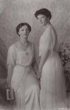 Gdss Olga and Tatiana Nicholaevna.C Mids 1910s.