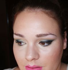 Style Destination by Lidia Bonilla: maquillaje ojo felino azul verdoso oscuro (tutoria...