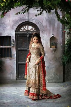 Entertain Your Look in Pakistani Bridal Latest Collection – Designers Outfits Collection Pakistani Bridal Couture, Pakistani Wedding Outfits, Indian Bridal Wear, Bridal Outfits, Pakistani Dresses, Indian Dresses, Asian Bridal, Indian Couture, Anarkali