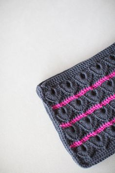 Crochet Clutch, Crochet Handbag, Crochet Bag, Crochet Purse, Gray and Pink Handbag