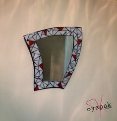 this white and red colour mirror is symbolizing by oyapakstudio