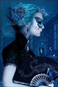 As belas e surreais foto-manipulações de fantasia sombria com mulheres de Alexandra V. Bach