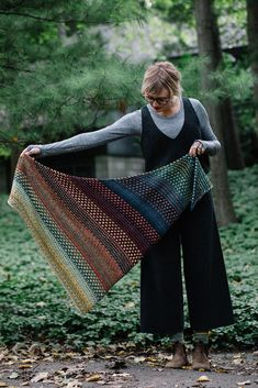 Knitting Patterns Poncho Ravelry: Nightshift pattern by Andrea Mowry Knitted Shawls, Crochet Shawl, Easy Crochet, Knit Crochet, Free Crochet, Shawl Patterns, Knitting Patterns, Crochet Patterns, Easy Knitting