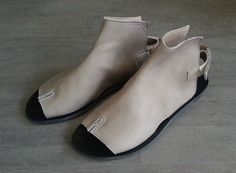 New collection! Designer shoes Tabi open bootie sandals / Women Grey sandals / FLat sandals / Spring shoes