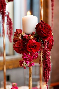 Awesome 30+ Beautiful Red Wedding Theme https://weddmagz.com/30-beautiful-red-wedding-theme/