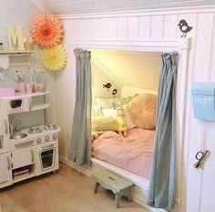 OMG hendan hevði verið fitt til Markus sjálvandi í dreingjalitum :) Girl Bedroom Designs, Girls Bedroom, Bedroom Decor, My New Room, My Room, Secret Rooms, Little Girl Rooms, Dream Rooms, Kid Beds