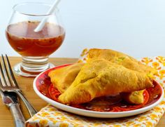 Easy Crescent Samosa (Indian Style Sandwiches) – A Great Feast Vegan Recipes, Cooking Recipes, Vegetarian Meals, Pie Recipes, Recipies, Sandwiches, Indian Style, Vegetarian Recipes, Ideas