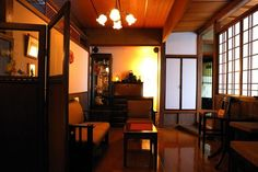 大正ロマン風インテリアで「雰囲気のあるレトロ部屋」を作る方法 | iemo[イエモ]