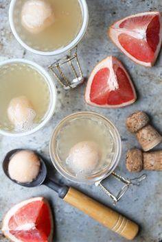 Pink Grapefruit-Champagne Sorbet Floats Image Via: Floating Kitchen