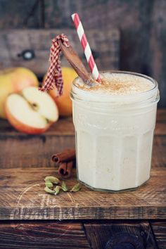 """Apple of my Pie"" Vegan Apple Pie Smoothie {grain free, gluten free, refined…"