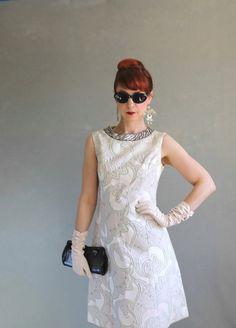 Sale 1960s Dress Size Medium Mod Pink Gray Mad Men by gogovintage, $98.00
