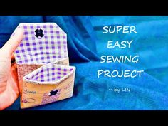 Super Easy Sewing Project ‖ Mini Purse Tutorial Hi , I'm Malaysian My name is Lin , wanna share my joys and happyness with all of you thought my se. Cosmetic Bag Tutorial, Handbag Tutorial, Coin Purse Tutorial, Zipper Pouch Tutorial, Tote Tutorial, Tutorial Sewing, Easy Sewing Projects, Sewing Tutorials, Hobo Bag Tutorials