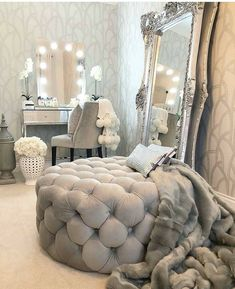 Popular 33 Home Interior Design Ideas On A Budget Visit this living room photo galleries below to find ideas that you can imitate or use these living … Cute Room Decor, Room Decor Bedroom, Home Bedroom, Living Room Decor, Bedroom Ideas, Silver Bedroom Decor, Glam Master Bedroom, Glamour Bedroom, Silver Room