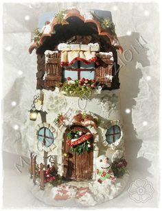 HPIM1277 Clay Houses, Ceramic Houses, Christmas Hat, Merry Christmas, Christmas Ornaments, Clay Flower Pots, Roof Tiles, Fairy Houses, Little Houses