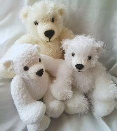 Crochet Bear Knitting Pattern for Huggable Polar Bears - Teddy Bear Knitting Pattern, Animal Knitting Patterns, Knitted Teddy Bear, Stuffed Animal Patterns, Baby Knitting, Knitting Needles, Bear Patterns, Knitting Socks, Stuffed Animals