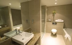bathroom-city-north-hotel-dublin-001.jpg (1704×1078)