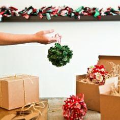 Holiday Pom Pom Ornament {DIY} Gift Idea