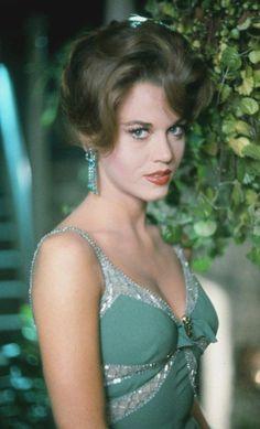 "Vintage Glamour Girls: Jane Fonda in "" Walk on the Wild Side "" Hollywood Vintage, Hollywood Glamour, Hollywood Stars, Glamour Hollywoodien, Vintage Glamour, Vintage Beauty, Jane Seymour, Divas, Catherine Deneuve"