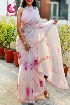 Shop Multicolored Printed Chiffon Georgette Pink Dupion Taping Saree - Sarees Online in India Chiffon Saree, Organza Saree, Silk Chiffon, Pure Georgette Sarees, Chiffon Dress, Trendy Sarees, Stylish Sarees, Fancy Sarees, Sari Blouse Designs