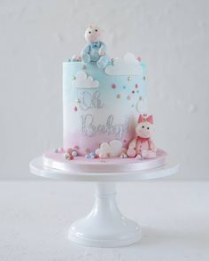 Boy or girl? OMG the madness in the house 😂😂❤💙 Happy Sunday lovelies! Baby Shower Cakes Neutral, Baby Shower Cakes For Boys, Baby Reveal Cakes, Twins Cake, Baby Birthday Cakes, Drip Cakes, Occasion Cakes, Cute Cakes, Creative Cakes