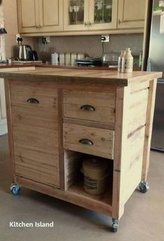 Use Pallet Wood Projects to Create Unique Home Decor Items Wooden Pallet Projects, Wooden Pallet Furniture, Pallet Crafts, Diy Furniture, Pallet Ideas, Furniture Plans, Pallet Designs, Furniture Outlet, Furniture Stores