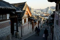 "https://flic.kr/p/r9x9Su | ""Bukchon Hanok Village"" in Seoul, South Korea"