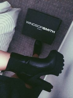 shoes black ankle boot chunky boots chunky heel platform high heels platform chunky heel elastic ankle boot above ankle boot back boot platform boots elastic ankle Pretty Shoes, Beautiful Shoes, Cute Shoes, Me Too Shoes, Heeled Boots, Bootie Boots, Shoe Boots, Shoes Heels, Dream Shoes