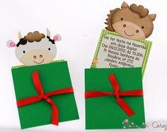 Convite Fazendinha - Recorte Especial Farm Party, Christmas Ornaments, Holiday Decor, Pop Up, Envelope, Ideas Aniversario, Paper Craft Work, Farmhouse, Meet