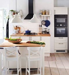 classic white kitchen (via Inspired by IKEA) (my ideal home. Classic White Kitchen, Kitchen Inspirations, Neutral Kitchen Designs, Home Kitchens, Home, Kitchen Design, Ikea Kitchen, Home Decor, Ikea Kitchen Island