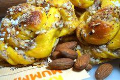 Saffransbullar med mandel och kardemumma