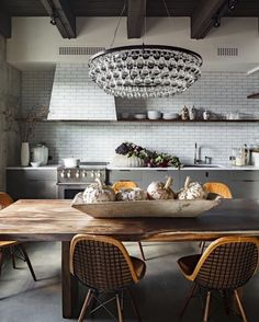 Visit and follow Vintage Industrial Style for more inspiring images and decor ideas