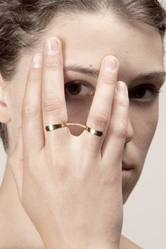 Face Distorting Jewelry Warps Your Mug In Terrifying Ways #refinery29