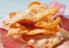 Les oreillettes sont une variété de beignets à pâte fine et croustillante (au même titre que les merveilles ou encore les bugnes). C'est un dessert d'origine Languedocienne et Provençale. Elles font partie des 13 Desserts de Noël. Recette...