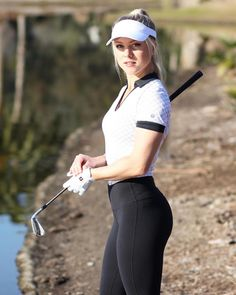 If you reside in a very warm climate and love to golf often, without doubt you have several pair of women's golf skorts. Ladies golf shorts and skorts are a great way to appear and feel feminine Girl Golf Outfit, Cute Golf Outfit, Sport Outfit, Outfit Shop, Sexy Golf, Girls Golf, Ladies Golf, Ladies Pic, Golf Training Aids