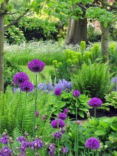 Superb Shade Garden Design Ideas 38
