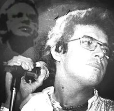 hacha..y machete,,,,hector lavoe... All Star, Musica Salsa, Puerto Ricans, Singer, Latin Music, Poppies, Singers, Pictures, Puerto Rico