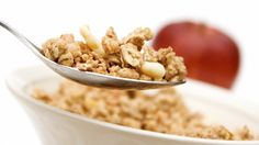 Great List and Ideas for Healthy Snacks Under 200 Calories Muesli, Granola, Healthy Foods To Eat, Healthy Snacks, Healthy Eating, Healthy Recipes, Gluten Free Recipes, Dog Food Recipes, How To Eat Less